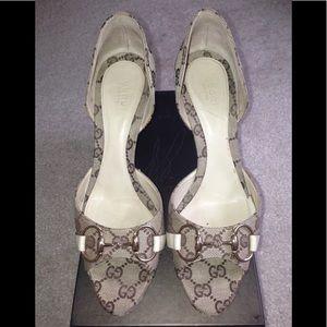 65d8d8171e6 Gucci canvas ebony ivory open toe horse bit heels